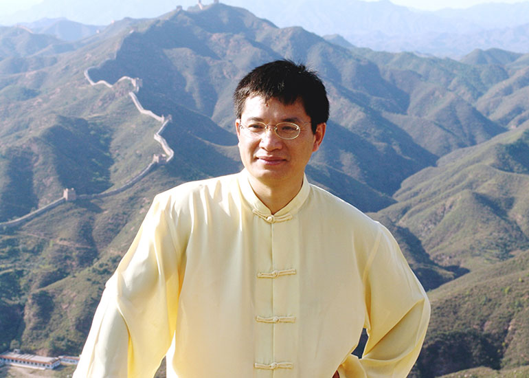How to Achieve Life Balance with Qi: Advice from Robert Peng